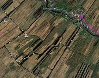 Onze route door een gebied met veel waterplanten waar de schroef van ons motortje moeite mee had...