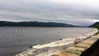 Stormachtig weer bij Loch Ness. Nessie laat zich zo niet zien...