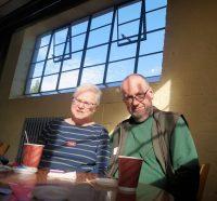Aan de koffie in Bletchley Park.