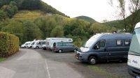 Dit jaar een redelijke drukke camperplaats in Rech...