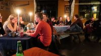Het zaterdagavond diner: de scouts hadden een uitstékende en gevarieerde maaltijd bereid! Petje af...