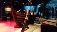 """Fries museum: een nagebouwd Vikingschip op de tentoonstelling """"Wij Vikingen"""". (foto van de telefoon)"""