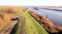 Zwarte Meer, rechts het Kamper Eiland en links de Noord-Oost-Polder. Foto gemaakt met een drone? Nee, gewoon een uitkijktoren!