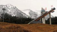 De grote skischans van opzij gezien. Volgende week is het weer zover!