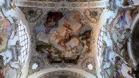 Rococo plafond van de kerk in Steingaden.