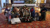 Kerststal voor het altaar in Rottenbuch.