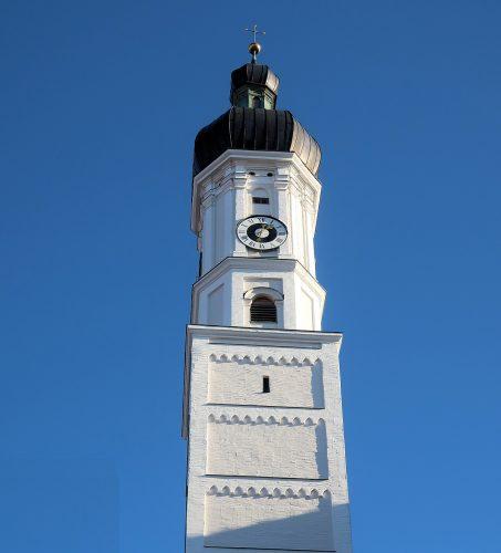 De toren van de kerk in Landsberg am Lech.