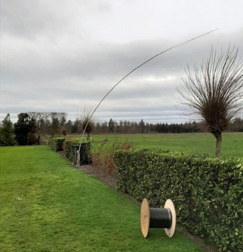 De 10m lange hengel met de verticale antenne voor de 40m-band tijdens de storm op zondag!