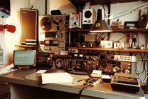 1982: PE1IQT met een Kenwood TR9000 all-mode 2meter zendontvanger.