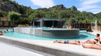 Het hoogste zwembad is het grootst, mét bubbelbad.