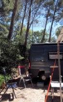 Mijn antenne staat, die van peter hangt als dipool tussen een paar bomen.