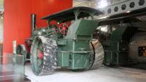 Enorme tractoren uit de oude tijd.