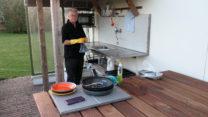 Camperplaats voor max. 3 campers en dan nog een (buiten)keukentje ook!