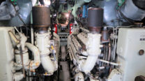 Bij binnenkomst in de onderzeeër, blik naar de staart: de machinekamer.