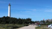 De 60m hoge Lyngvig Fyr. Een fyr is een vuurtoren.
