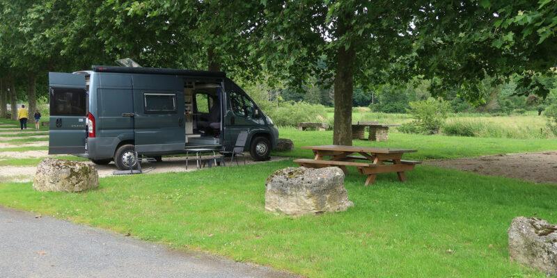 Camperplaats aan de Maas.