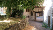 In het dorpje Sainte Euphémie.