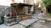 De lavoir (wasplaats) in het dorpje Sainte Euphémie.