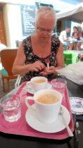 Koffie op een terrasje.