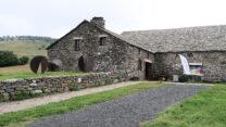 Euewenoude monumentale boerderij, nu museum.