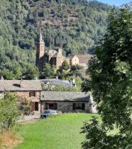Het dorpje van de achterkant.
