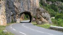 De route is vol tunneltjes.