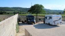 Bij wijnboer Lauribert aan de D976 tussen Valréas en Visan. Stilte en uitzicht.
